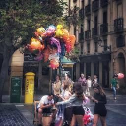 donostia street people balloons hdr