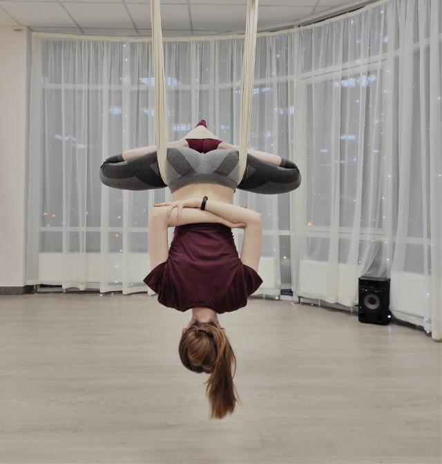 Trying something new this year✨😌 #hammock #yoga #gymnastics #girl #yogatraining  #freetoedit