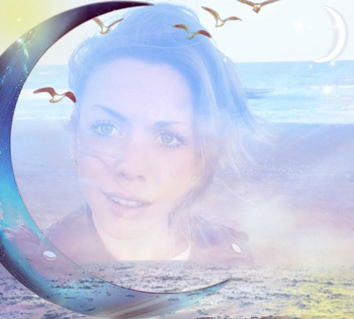 #freetoedit #luna #cielo #luz #mar #oceano #playa #aves #iluminacion #medialuna #effects #remixed