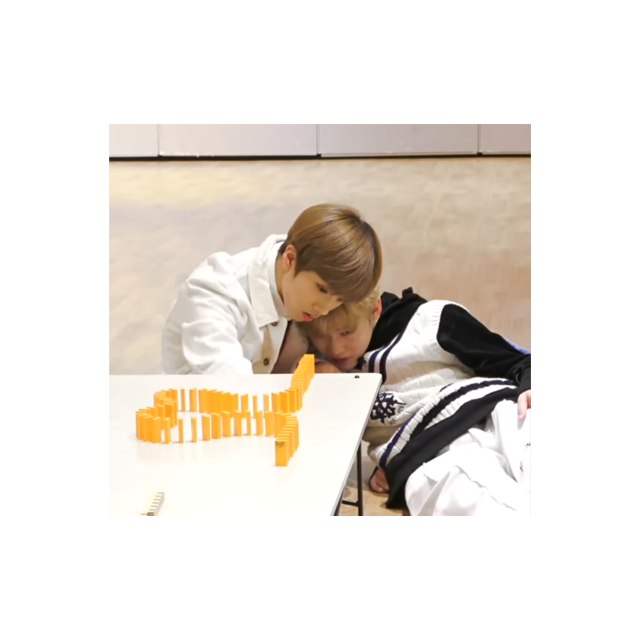 🐾 they look like they're cuddling!🐾  #Jisung #Chenle #Chenji #Nct #nctdream #cute