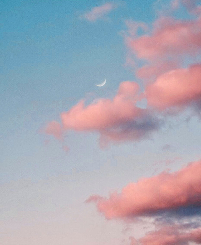 Much love to all... #nature #endoftheday #skyandclouds #heart #heartsisee  #sunsetsky #themoon #pinkclouds #softlight #pastelcolors #skylover #naturephotography                                                                                                                                                                                                                                  #freetoedit
