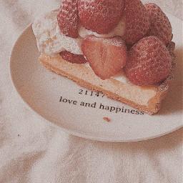 aesthetic cake strawberries strawberrycake