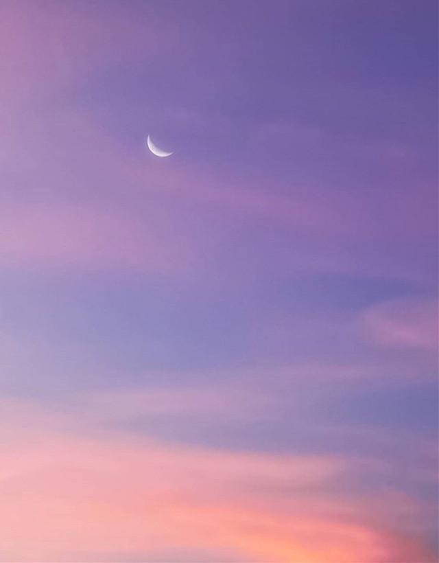 #nature #endoftheday #eveningsky  #sunsettime #skyandclouds #themoon #sunsetcolors #skylover #naturephotography   #freetoedit