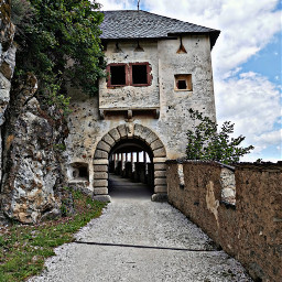 castle door oldbuilding