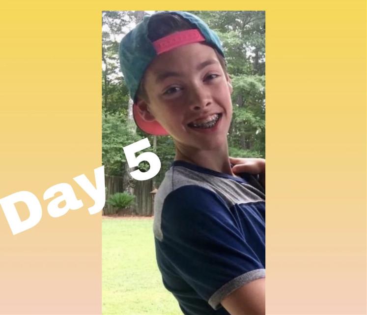 i wanna date that 😂 @imzachherron- @-imzachherron #30dayidolchallenge #zachherron