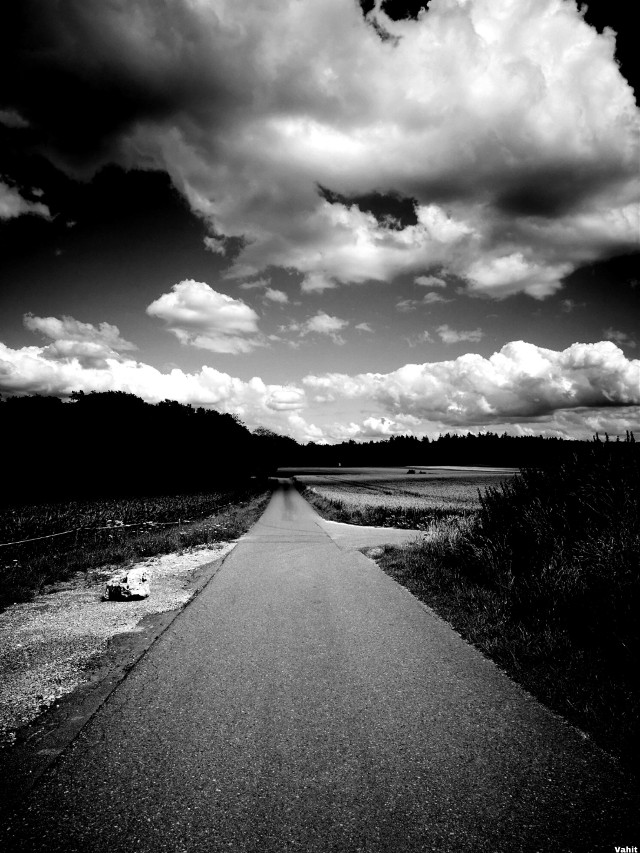 #freetoedit #clouds #blackandwhite #landscape #pathway #vanishingpoint #myphotography