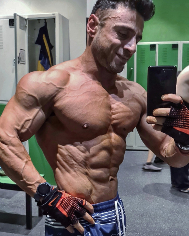.#xlmnt #pt #ifbbturkey #izmit #kocaeli #macfit #classicbodybuilding #getfit #calisthenics #shredded #mensphysique #fitnessmodel #fitmodel #instafit #body #bodybuilding #fitness #sporcu #fit #eatclean #diyet #gym #gymlife #aesthetics #definition #transformation #instagood #motivation