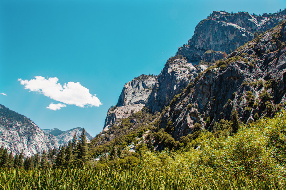 #landscape #mountain #rock #mountains #grass #green #sky #blue #plant #nature #cloud #clouds #peak #cliff #wilderness #park #nationalpark #sequoia #freetoedit #photography