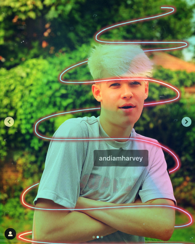 So i made 2 of the same but they are slightly different. So if you want to leave a like in the one you like better🙂 #harveymills #maxandharvey #harveyedit #rainbows #neon #andimharvey #maxandharveyofficial #harveykittmills #harveymillsedit #harvey #mills #milsie #millsies #freetoedit