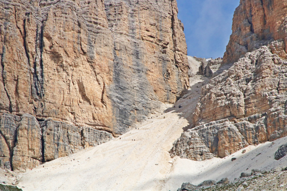 #freetoedit #landscape #sentiero #muntain #myphoto #sentiero x arrivare al sass Pordoi a 2900 m.  partendo dal passo Pordoi #dolomiti #trentino #italy🇮🇹