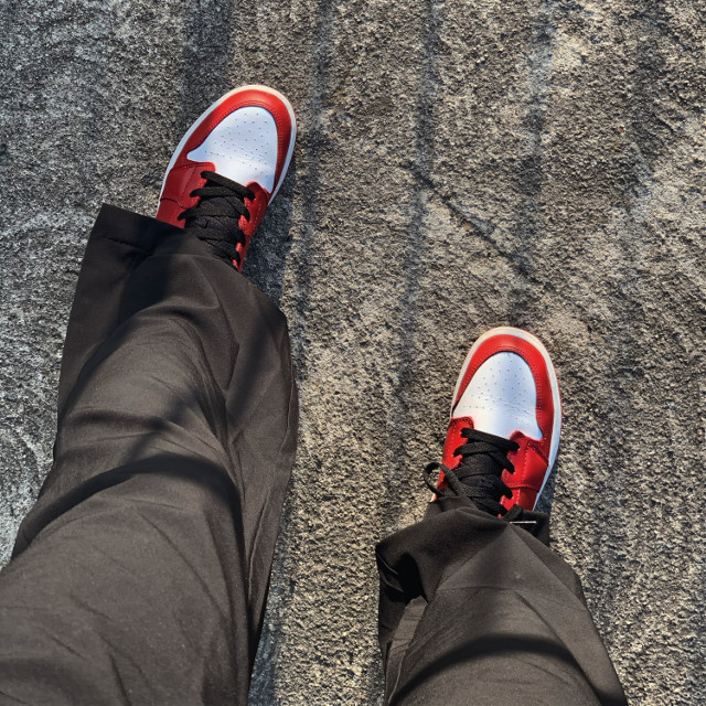 Big clothes big steps    #redaesthetic #red #style #jordan #jordans #jordan1 #nike #nikeairjordan #styleblogger #fashiongirl #fashionista #fashionreadyremix #fashion #ootd