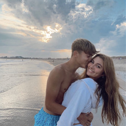 cute couple cutecouple adorable baby inlove love boyfriend girlfriend sweatshirt nike brunette aww babygirl loveofmylife lovers blonde couples couplegoals goals vsco cuties forevertogether coupless ourfuture
