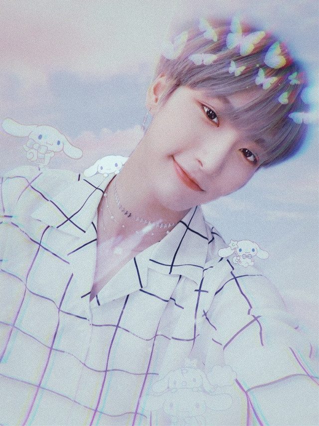 Can someone give him a hug? 😭💕    #ateez #seonghwa #parkseonghwa #kpop #ateezSeonghwa #replay #clouds #cute