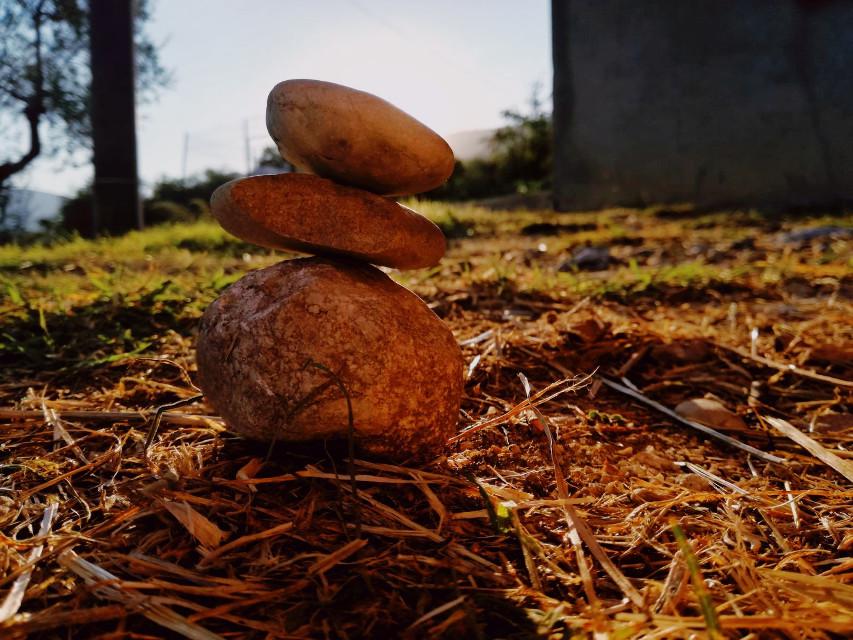 #myphoto #photography #photograph #photographer #photooftheday #photobyme #photoedit #hd #stones #sun #sunshine #befine #background #nature #september #ground #summer #grass   ᵒᵘᵗˢⁱᵈᵉ ᵗʰᵉ ˢᵘⁿ ˢʰⁱⁿᵉˢ,  ⁱ ᵈᵒⁿ'ᵗ ʰᵃᵛᵉ ᵗⁱᵐᵉ ᵗᵒ ᵖʳᵉᵗᵉⁿᵈ ᵗʰᵃᵗ ⁱ'ᵐ ᶠⁱⁿᵉ.  Photo by: @daisylazyphotos