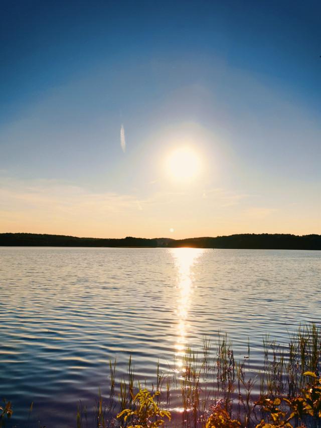 #lake #sun #sunlight #sky #reflection #sunnyday #beautifulnature #beautifulday #myphoto #myclick #HeyPicsArt #picsartmaster