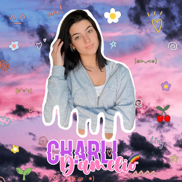 #charlidamelio