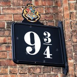 harrypotter platform934 danielradcliffe ronweasley rupertgrint hermionegranger emmawatson mollyweasley ginnyweasly arthurweasley fredweasley georgeweasley percyweasley wall freetoedit