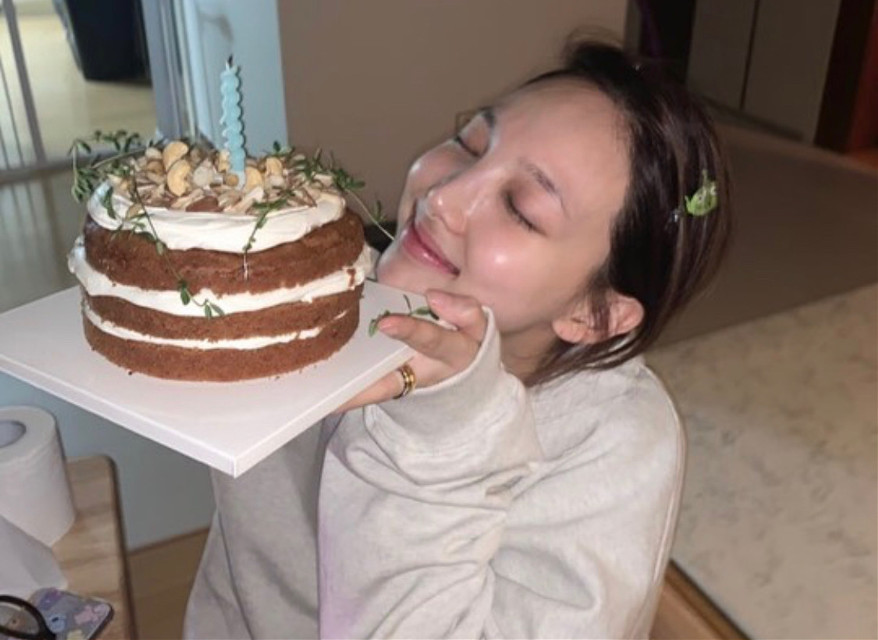 생일 축하해 🧡🦄🦄  @nayeon_twicejyp   #happynayeonday