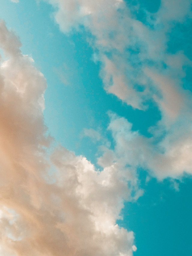 #sky #clouds #bluesky #lookingup #dreamy #softness #weekendvibes #myphotography