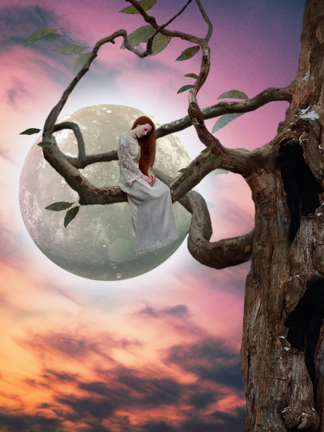 Sola !!  #freetoedit #moon #fullmoon #surreal #night #nightsky #araceliss #heypicsart #fantasy #alone #girl #makeawesome #myedit #editedbyme #madewithpicsart