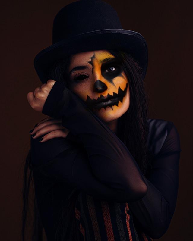 INSTAGRAM: @margo34277 YOUTUBE CHANNEL: MARGO PICSART #girl #makeup #eyeshadows #eyeliner #maquillaje #lips #halloween #halloweenmakeup #makeup #calavera #catrina #diademuertos #calabaza