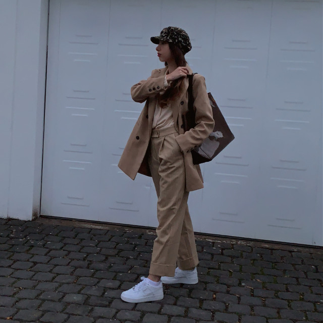 Beige vibe   #ootd #style #styleblogger #stylelife #stylegirl #styleiswhoyouare #fashionblogger #fashionphotos #fashionista #outfitideas #outfitaesthetic #outfits