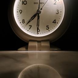 clock time dark light reflection freetoedit