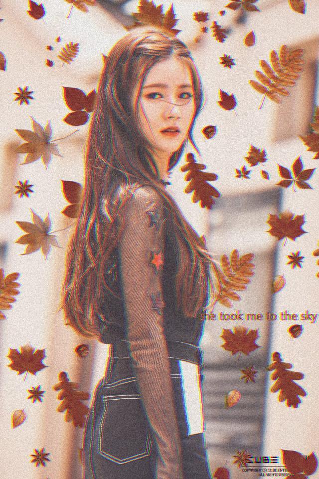 #fallmood #fallingleaves #fall #fallvibes #autumn #autumnleaves #autumnmood #gidle #gidlemiyeon #miyeon