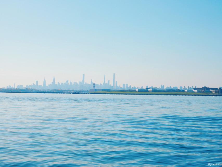 #panoramic#city#skyline#coastline#skyscrapers#ny#addboats#shoreline#blue#sky#aakash#panorama#ciudad#cittá#america