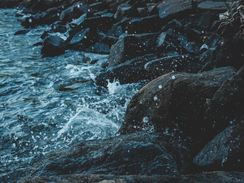 #water#splash#watersplash#rocks#blue#myphoto#aqua#gotas#coast#shoreline