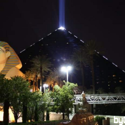 pyramid hotel lasvegas nightlife lights pcatnight