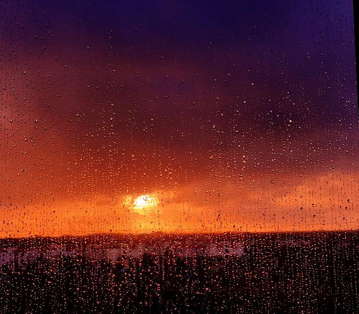 Rainy sunrise #mypic #sunrise #rain #curvestool #ReMixIt
