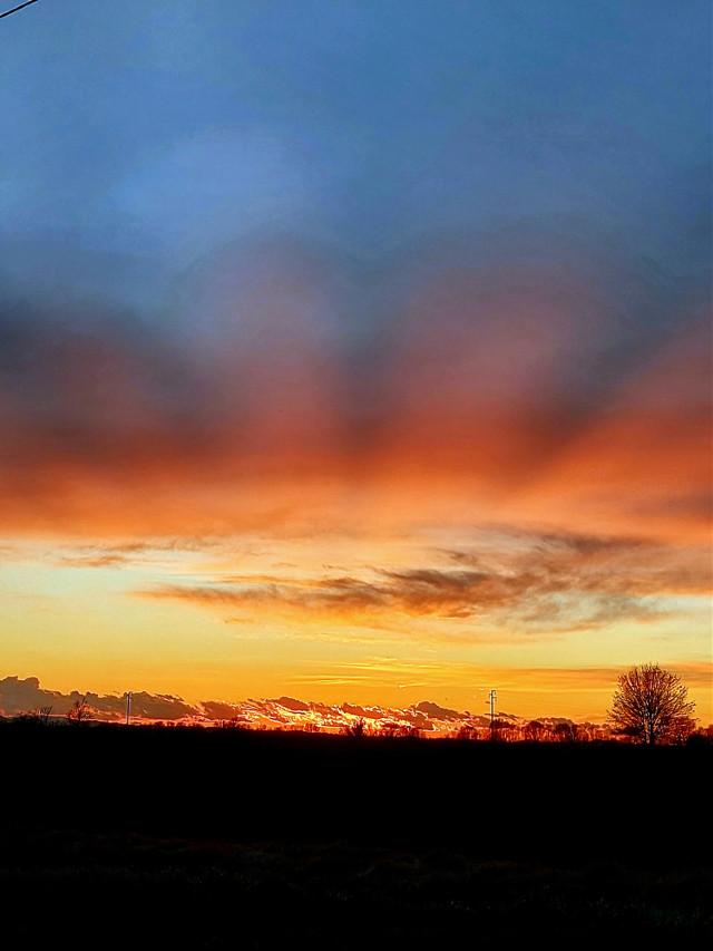 #meravigliedellanatura #meraviglia #tramontobellissimo #meditare #rossodisera #guardarelontano #scoprire #freetoedit
