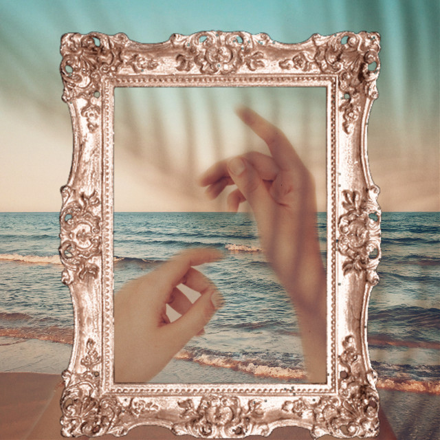 #hands #aesthetic #rosegoldaesthetic #beach #palmshadow @alishadhamija36 @adorxfuhl