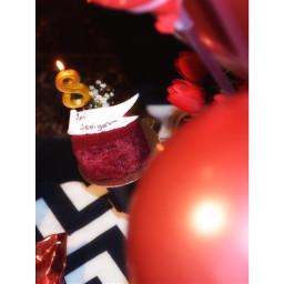 indoors food close_up cake celebration valentine freshness selectivefocus holiday balloon red blackandwhite