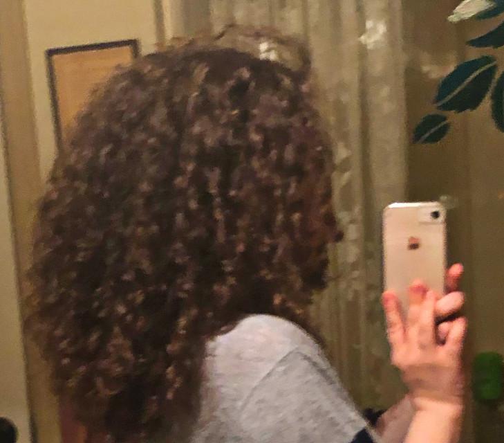 My curly hairs  #curlyhair #curlyhairgirl #curlyhairvibes #hollipolliyozza #liminalspace #art #me