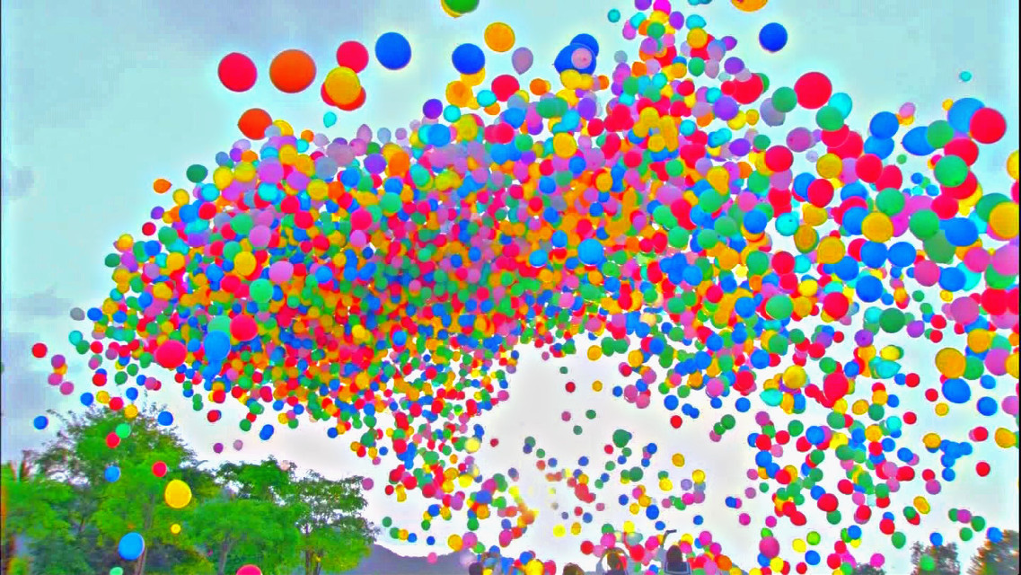Also in honor of my birthday that is coming up lol  Have a great afternoon! #birthday #balloon #balloons #birthdayballoon #birthdayballoons #interesting #colorful #party