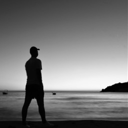 bw bnw blackandwhite bwphotography bnwphotography blackandwhitephotography longexposure longexposurephotography man hat seaside sea freetoedit