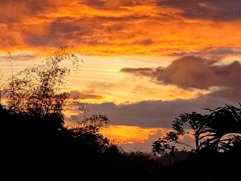 Beautiful sunset in my hometown #sunset #skylover #myoriginalphoto #cloudsandsky #goldenhour #naturephotography