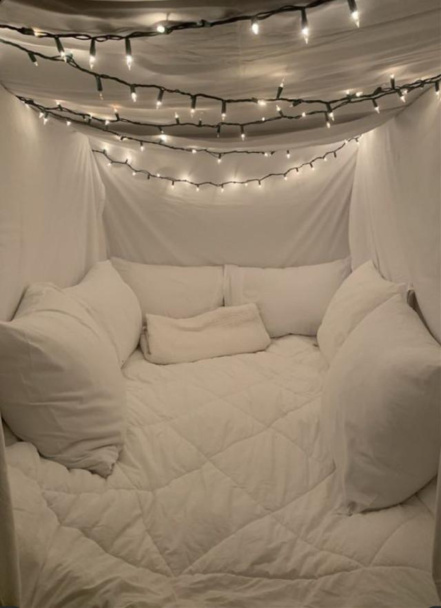 #imvu #bedroom #undercovers #bed #room #sleepover #imvurooms