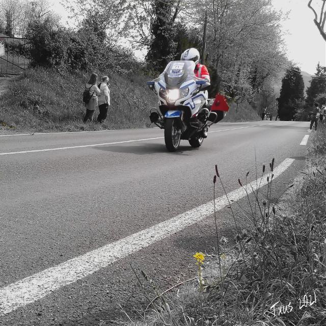 #historiasdes_veladas_de_mi_dia_a_dia #police  #motorcycle