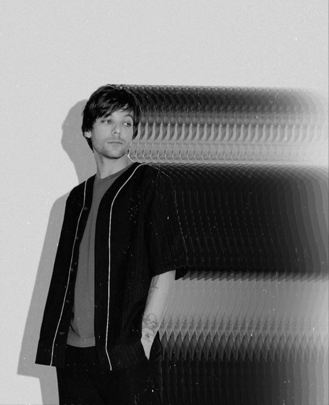 #louistomlinson #motioneffect #motiontool #inmotion #effect #replay #freetoedit #motion #black #blackandwhite #motionedit #motionblur #motionblureffect #vintage #aesthetic #louis #tomlinson #edit #love #cute #silver #cool