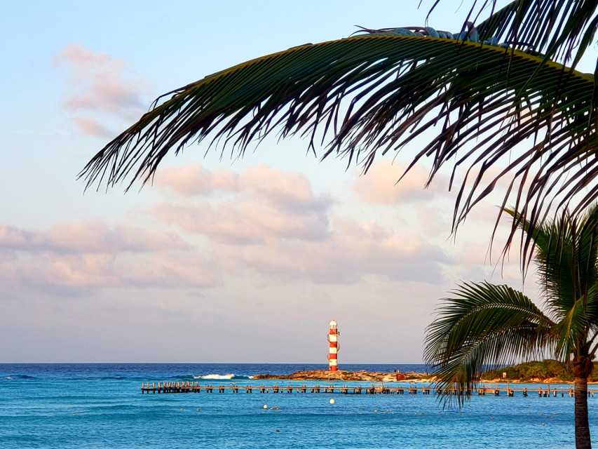 A  perfect day in Paradise🌊🌞⛱😍 #cancun #carribbean #travel #palmtree #lighthouse #bluewater #ocean #pier #destination #travelphotography #beach #vibes #funtimes #mexico #myoriginalphoto #sun