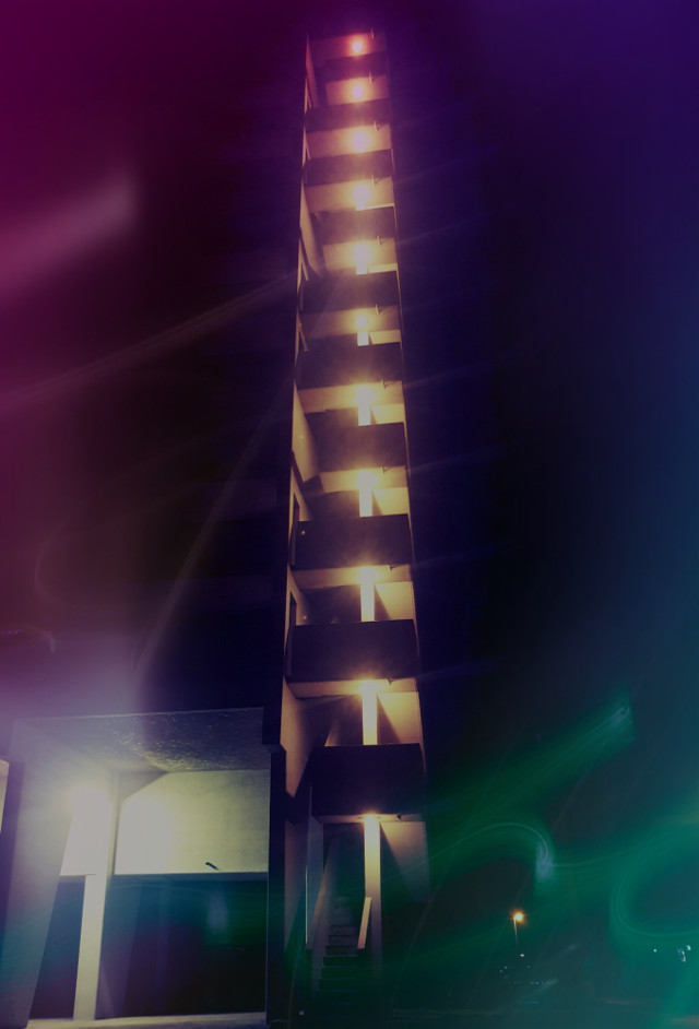 📸 nighshot #nightshot #night #lights #neighborhood #stairs #bynight #nightwalk #building #skyscraper #picturbyme #picsart