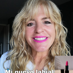 labial barra younique maquillaje