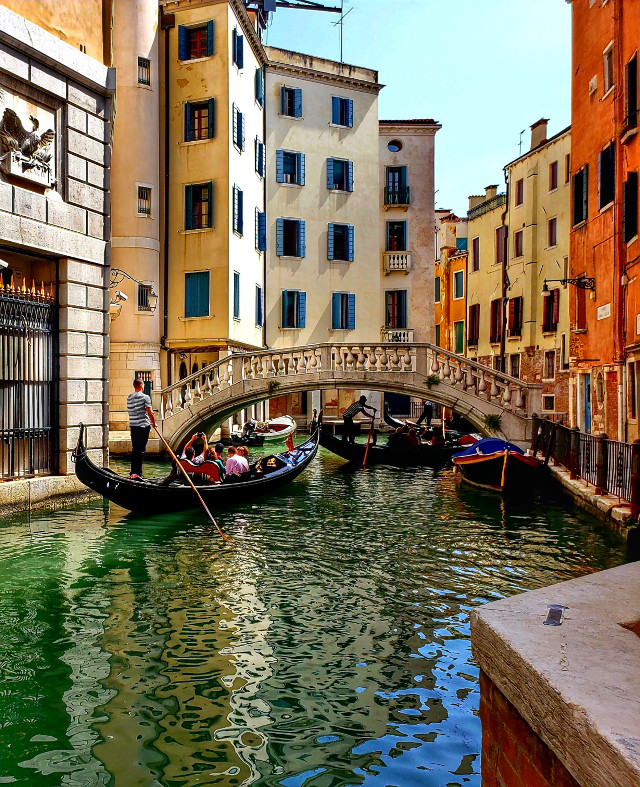 #photography #travel #architecture #city #boat #water