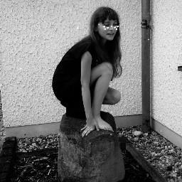 golum aufm stein
