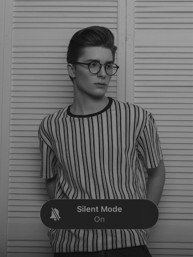 #freetoedit #silent #silentmode #phoneart #phoneaesthetic #blackandwhite