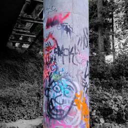 graffiti streetart concretepillar blackandwhite colorsplash freetoedit