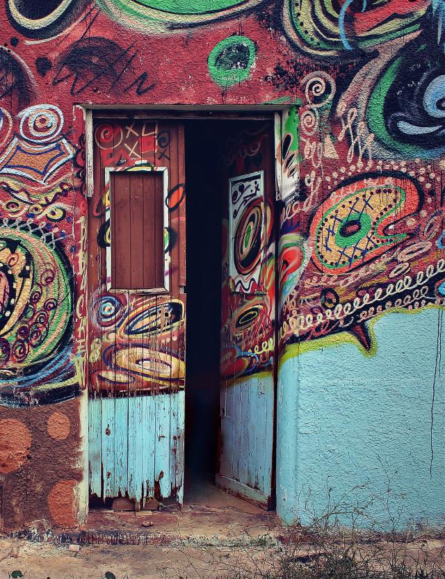#urbanexploration #abandonedplaces #veryoldhouse #abandoned #forgotten #decay #door #woodendoor #doirway #opendoor #urbex  #grafitti #urbanart #sprayart #grafittiwall #decadentbeauty #urbanexploringphotography